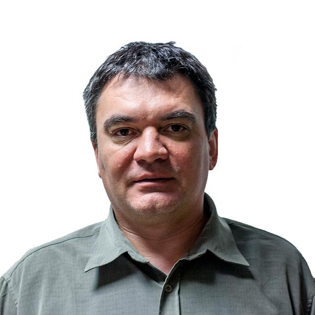 Tóbiás László